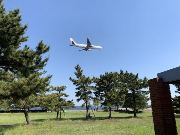 飛行機の影響で騒音がする城南島海浜公園キャンプ場