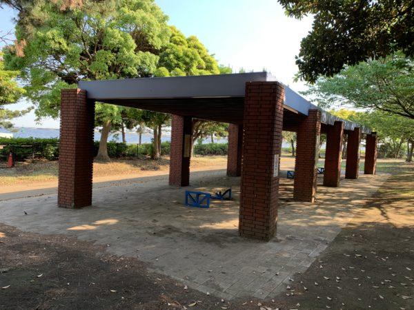城南島海浜公園キャンプ場の東屋