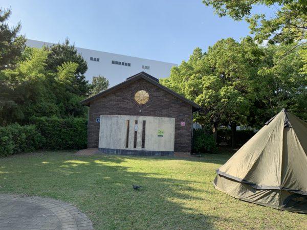 城南島海浜公園キャンプ場内のトイレ