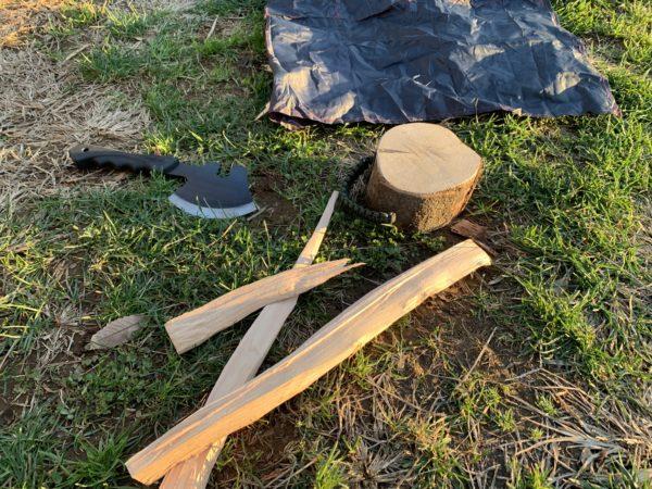 燕三条乃斧を使った細い薪の薪割り⑤