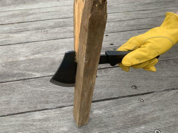 燕三条乃斧を使った太薪の薪割り①