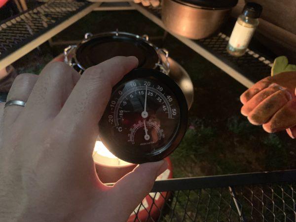 「カマボコテントミニ」石油ストーブ点火後の気温