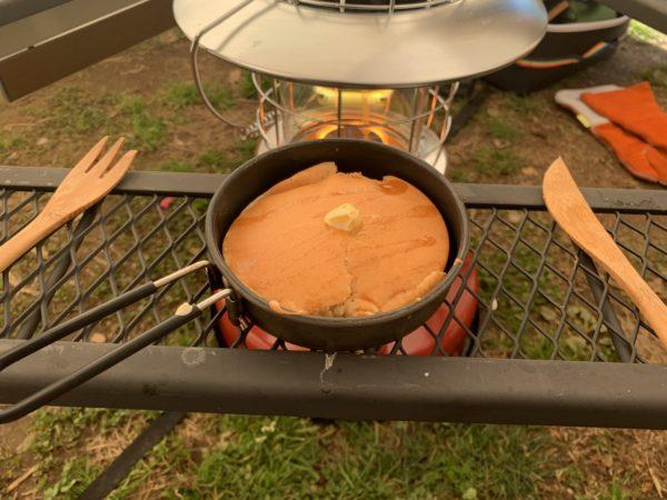 石油ストーブの五徳で焼いたホットケーキ