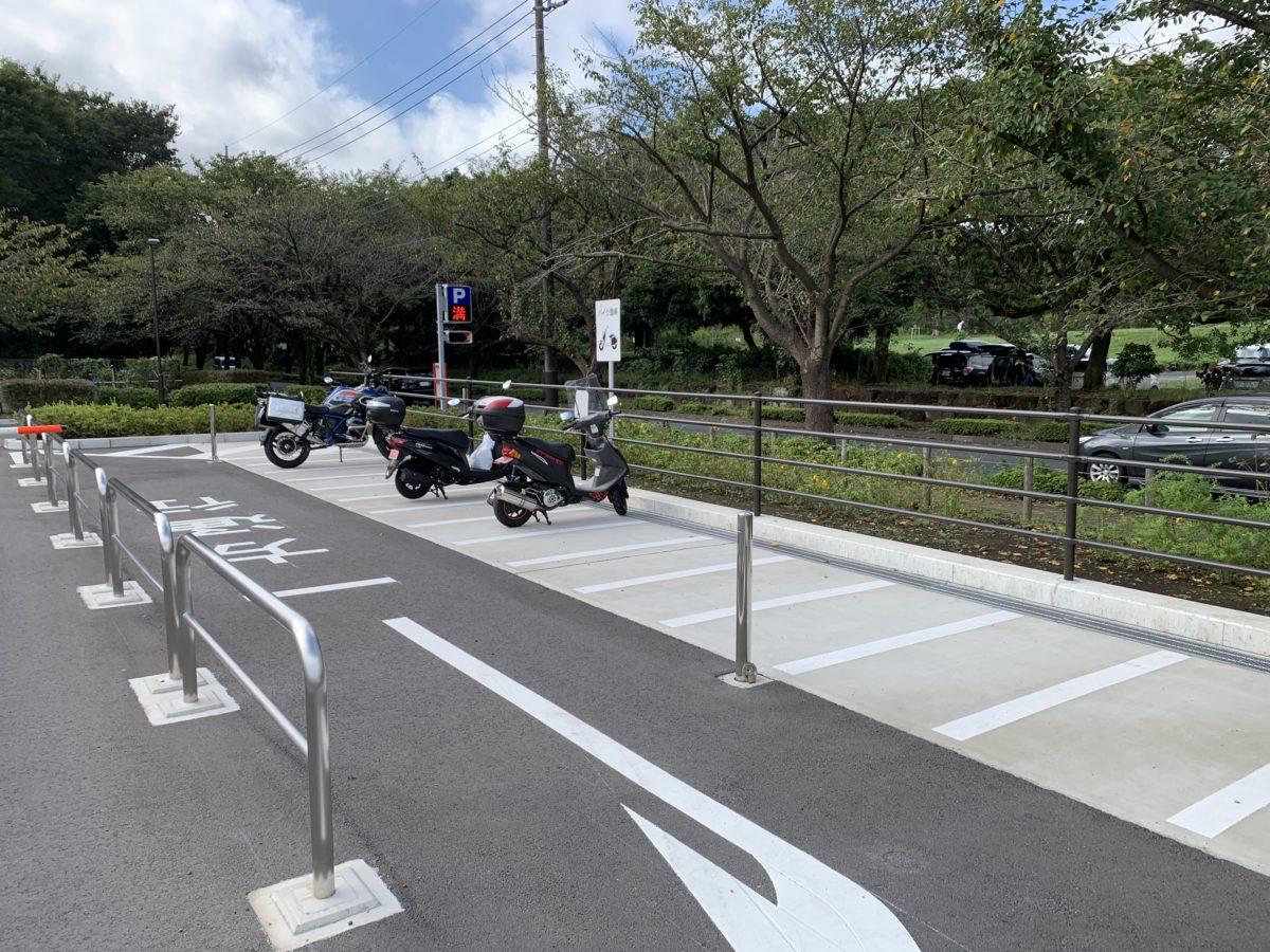 練馬区立大泉さくら運動公園駐車場のバイク置き場
