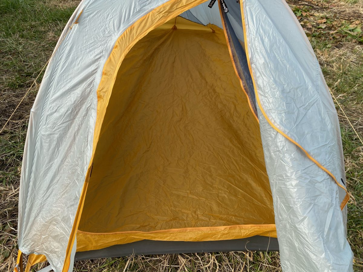 冬キャンプの寝床作り_テント設営