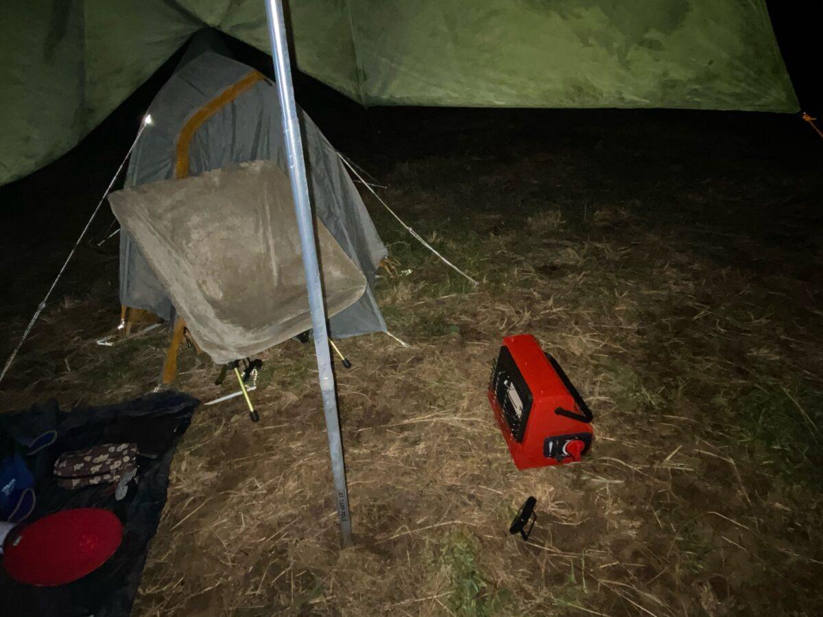 冬キャンプのソロキャンプで使うカリフォルニアパティオ「アウトドアカセットガスヒーター」