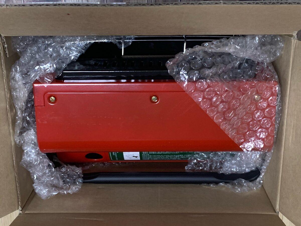 箱に入ったカリフォルニアパティオ「アウトドアカセットガスヒーター」